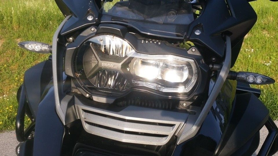 BMW 1200 GS Motorbike inspection front lights
