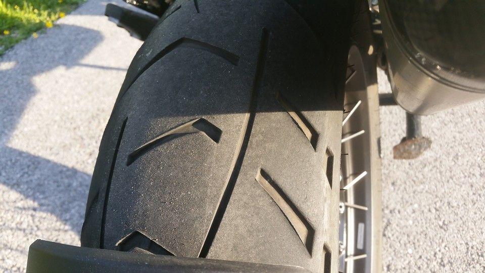 BMW 1200 GS Motorbike inspection rear tyre wear