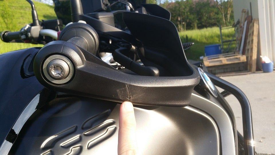 BMW 1200 GS Motorbike inspection damaged hand guard right side