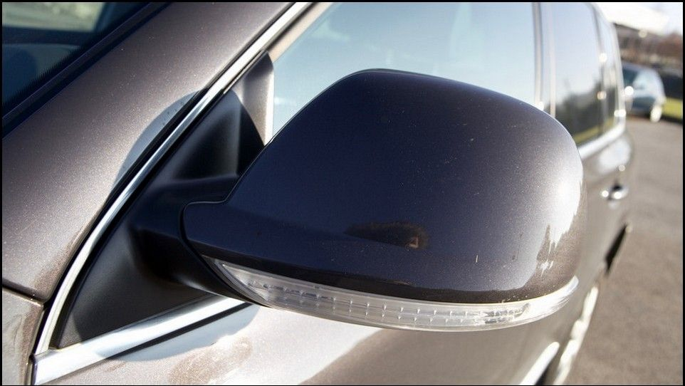 Volkswagen Touareg inspection left mirror