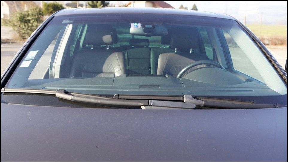 Volkswagen Touareg inspection windshield wipers
