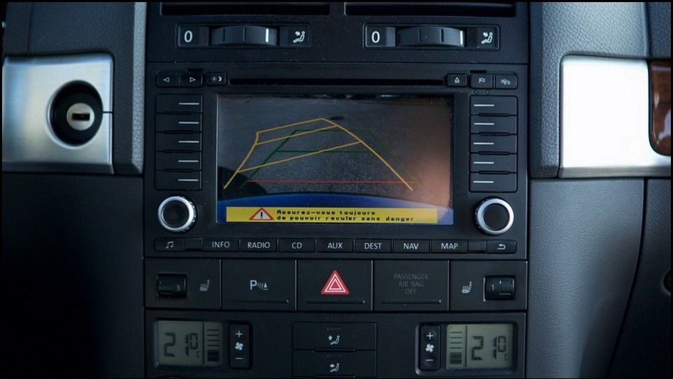 Volkswagen Touareg inspection back up camera