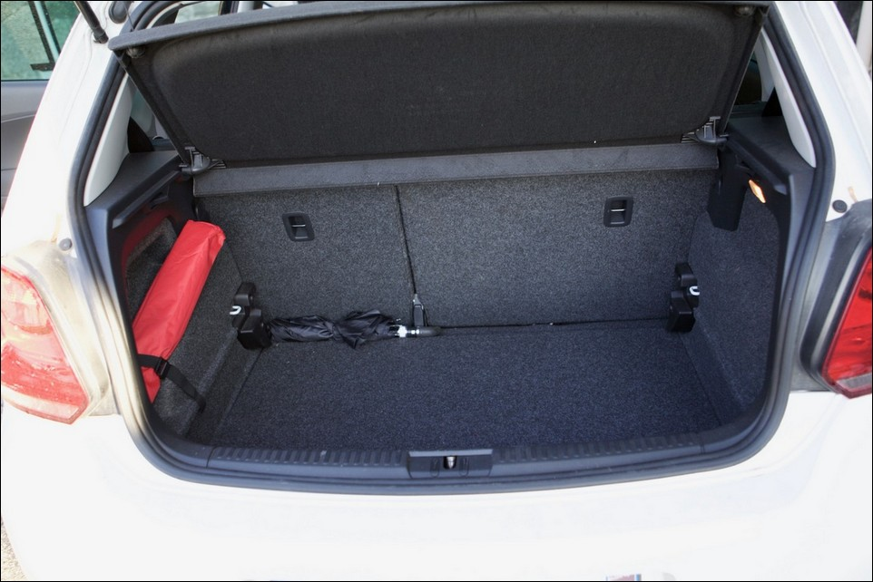 Volkswagen Polo inside trunk