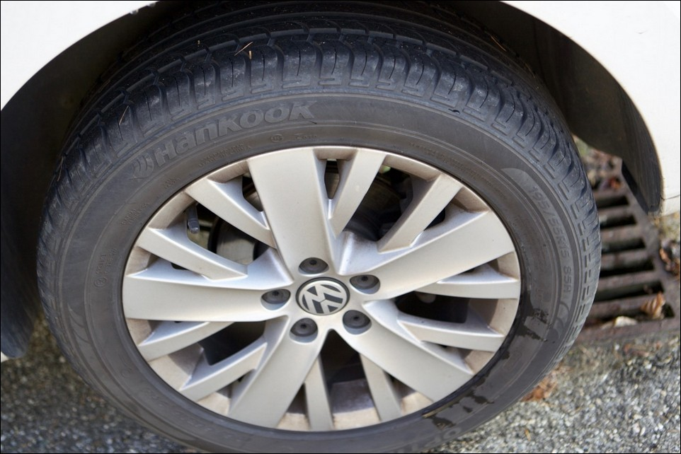 Volkswagen Polo rear left tyre