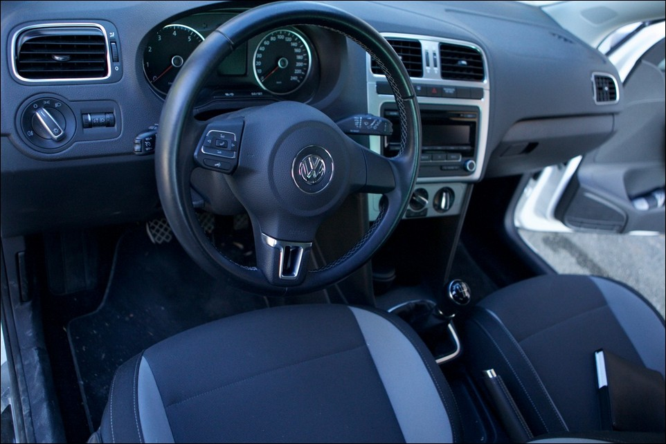 Volkswagen Polo front seats