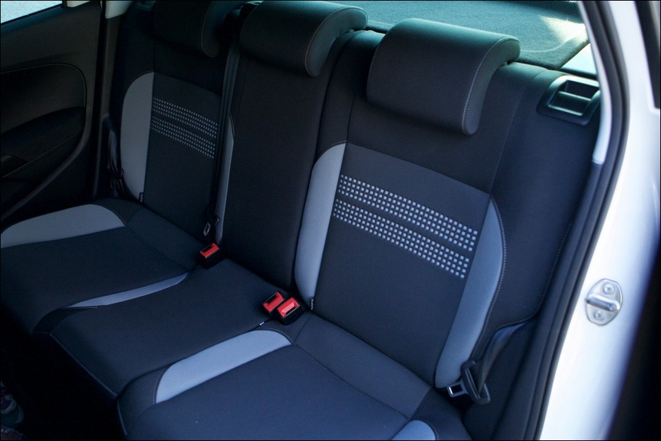 Volkswagen Polo back seats